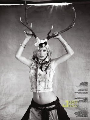 https://designstiles.files.wordpress.com/2010/02/kate-moss-gypsies-7.jpg?w=225