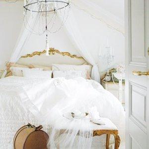 https://designstiles.files.wordpress.com/2010/07/bedroom_evalindh2.jpg?w=300